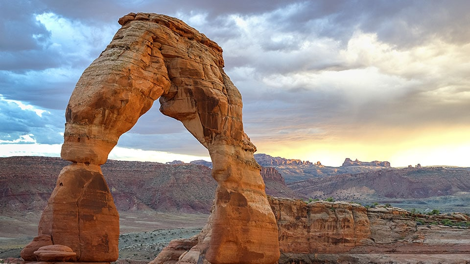 Delicate Arch, Arches National Park, Utah, USA.